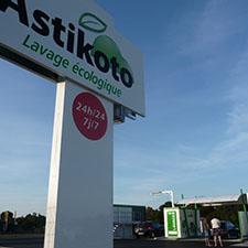 Astikoto chouchoute les véhicules et se déploie en franchise