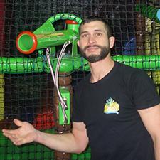 Djinno Tessier, gérant de l'espace ludique couvert Geckoland