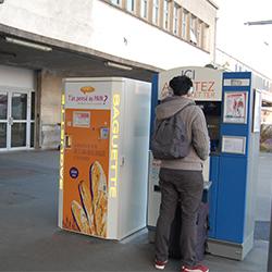 Du pain frais en libre-service dans les gares du tram-train