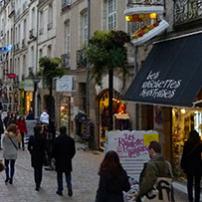 rue commerçante du centre-ville de Nantes